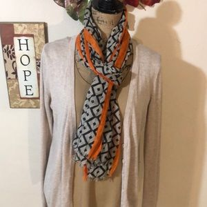 2 Chic Scarf